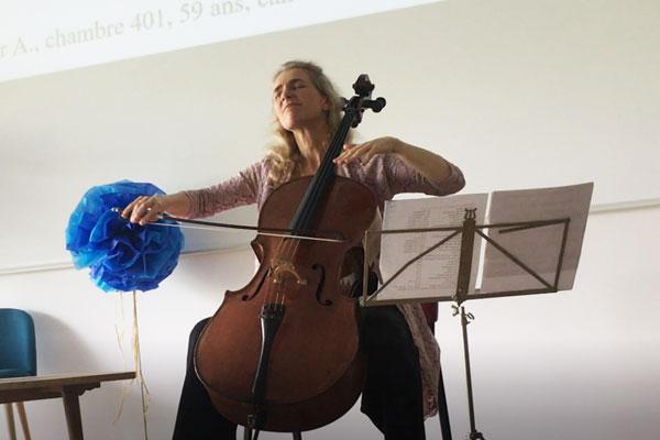 Claire Oppert Violonceliste, créatrice du Pansement Schubert